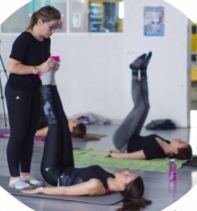 Eva Robles durante el curso de pilates suelo